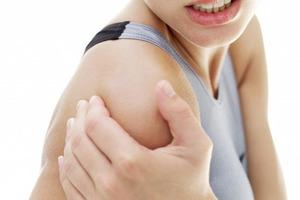 Вывих плеча: правильное лечение и реабилитация