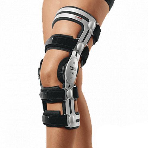 Ортез для колена Medi M.4 AGR с 4-мя точками фиксации